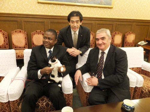 大使たちと逢沢先生とジャンヌ €S0347295_convert_20140319000754 - コピー