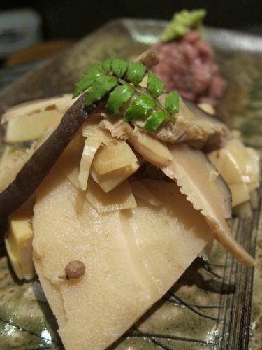 地物筍の山椒煮と和牛の和え物