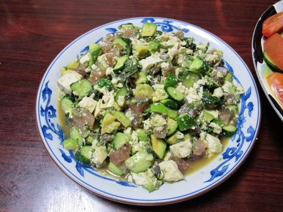 マグロキュウリ豆腐アボカドの醤油和え