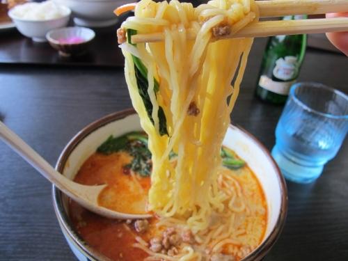 ゴマ担担麺