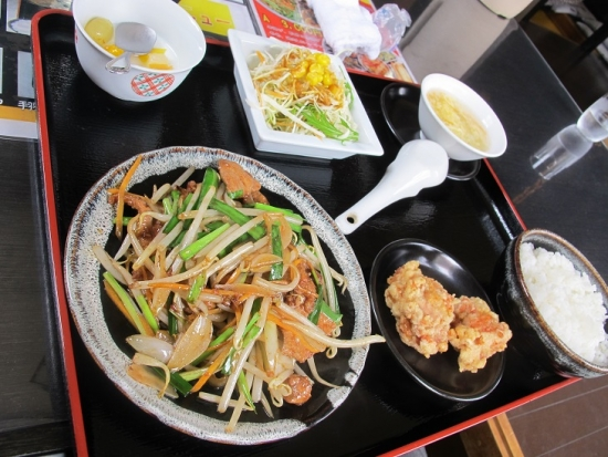 家楽さん ニラレバ炒め定食
