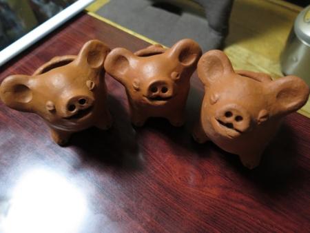 ガーデンパーク 3本足の豚