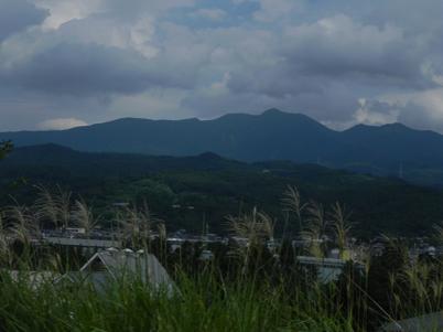 東北中央自動車道からの蔵王山方面