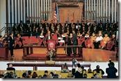 2014.04.06 - 池田SGI会長への「グローバル大使賞」が代理の長谷川SGI副会長に授与され、列席者から祝福の大きな拍手が送られた(モアハウス大学のキング国際チャペルで)
