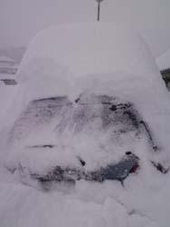 H26大雪自宅前車