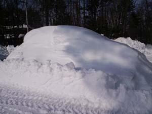 H26大雪国埋もれた車