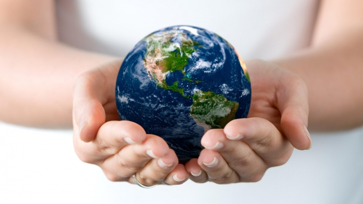 1920x1080_hands-earth-globe-peace-HD-Wallpaper.jpg