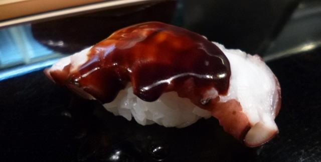 関西でもツメで食べるところはありますね