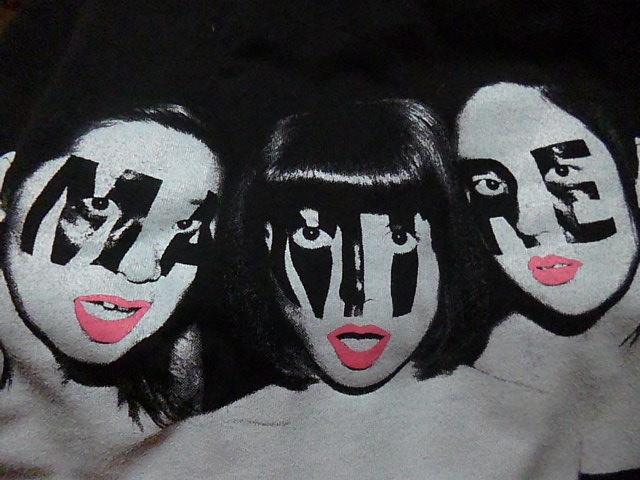 L→R やよい・まり・みずえ 実はこれTシャツです 顔がコワイ!