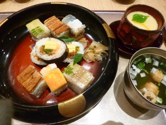 大阪寿司盛り合わせ 茶碗蒸しは別注です