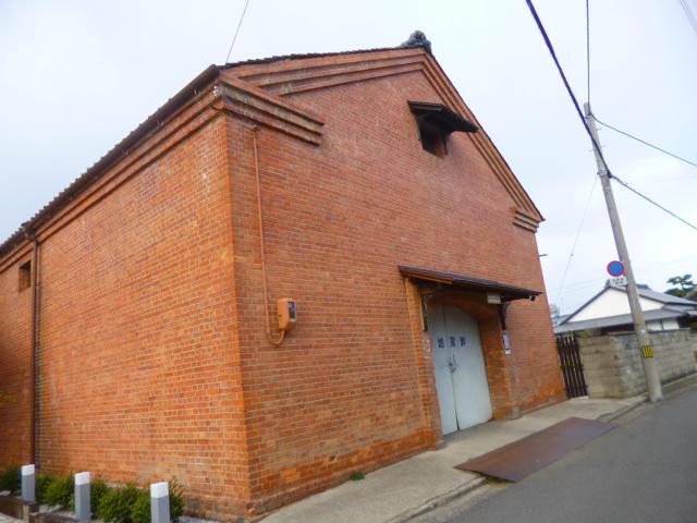 観音寺市街地には歴史を感じる建物が多いです