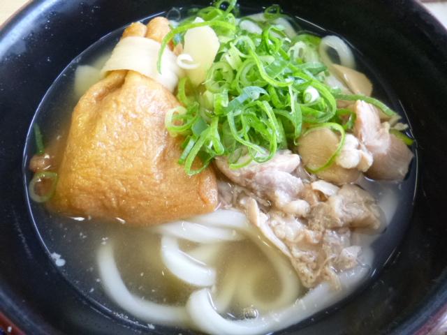 麺は百こ萬独特のしこ麺ではなくって太麺です