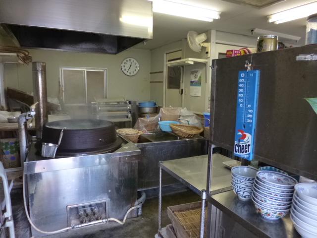 こっちはこんな感じ 厨房に直結してます
