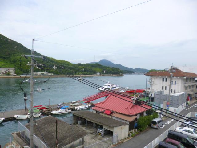因島の宿から見た海