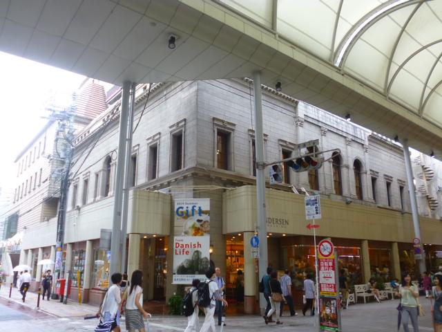 電停袋町のバックの旧日本銀行といい,こっそり反核メッセージが込められてそうです