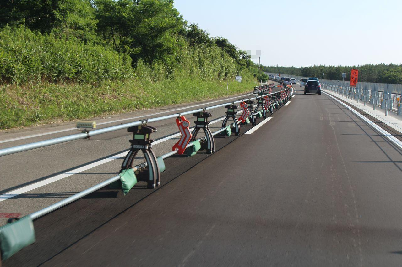 高速道路の徽軫灯籠
