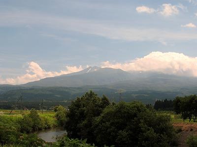 秋田側から見た鳥海山_2