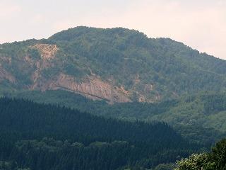 20100819_花輪高校近所から見た尾去沢鉱山跡