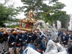 水かけ神輿 (3)