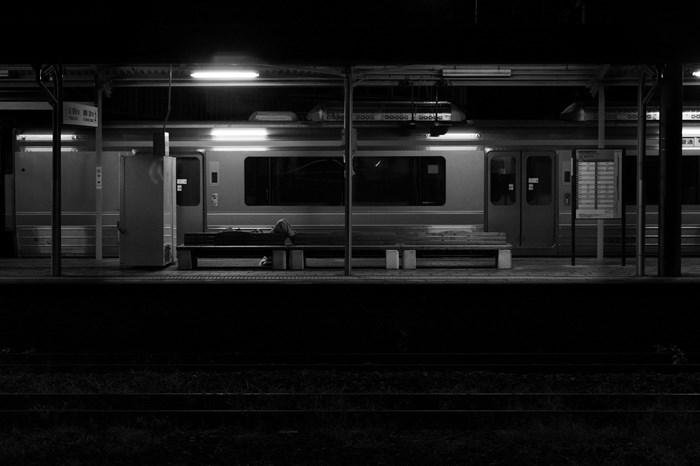 14-09-08 無人駅の深夜 山北駅