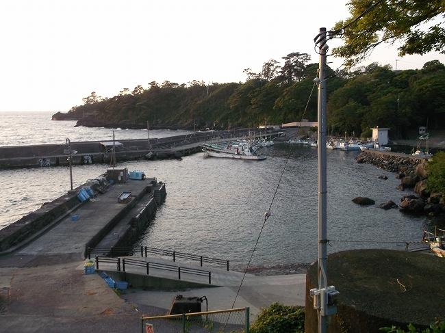 32 城ケ崎の港