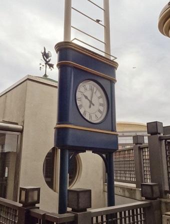 舞浜駅の時計4