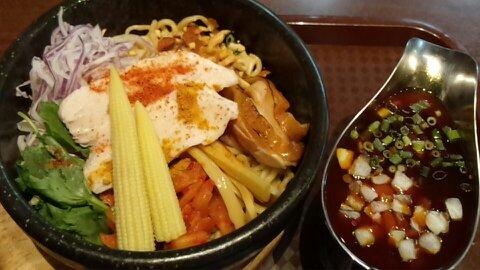 石焼カレー和え麺①