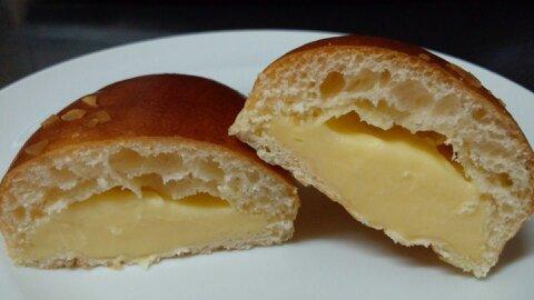 伊三郎製クリームパン