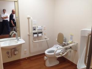 4人部屋トイレ