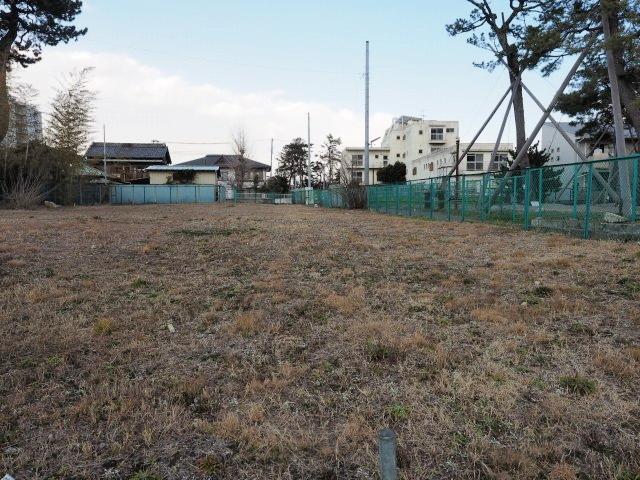空き地は買収済みの用地。あと数件なんですがね。不思議と反対運動の看板は見受けられませんでした。