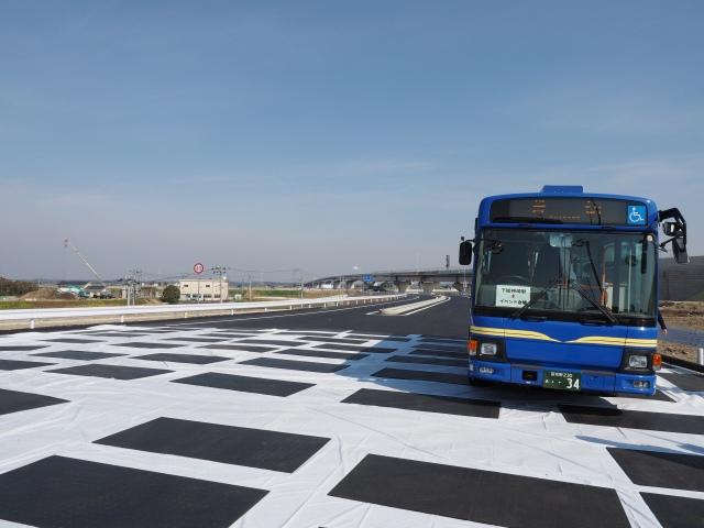 下総神崎駅と会場を結ぶ送迎バス。