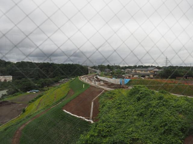 相模原インターへのアクセス道路となる津久井広域道路。