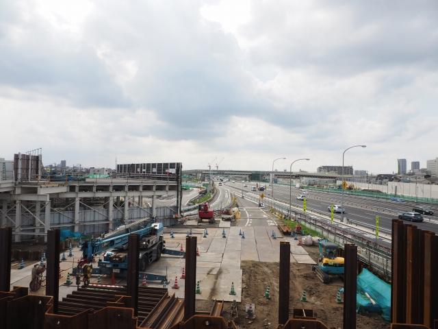 上りの京葉道路合流部等。見渡す限り工事中。