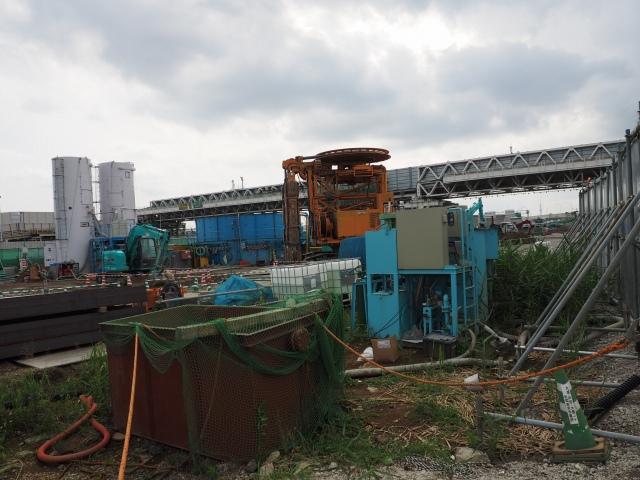 妙な機械。首都高の大橋JCT辺りで見た気が。