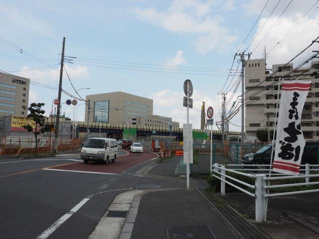 市川浦安線との交差部。