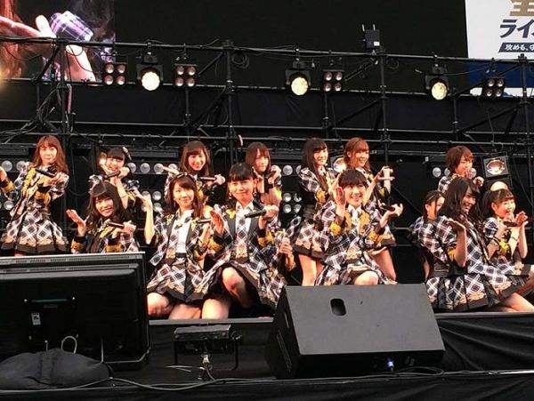 AKB48_20140413_01-695x522.jpg