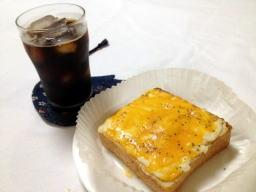 最近だよね、私がパリに遊びに行った頃は朝食はクロワッサンでした