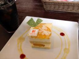 夏らしい柑橘系の爽やかなケーキを選びました