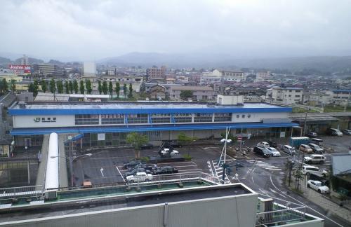 一夜明けた柏崎駅(26.7.26)