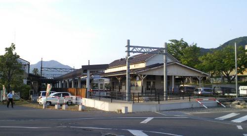 夕方の湯田中駅(26.5.24)