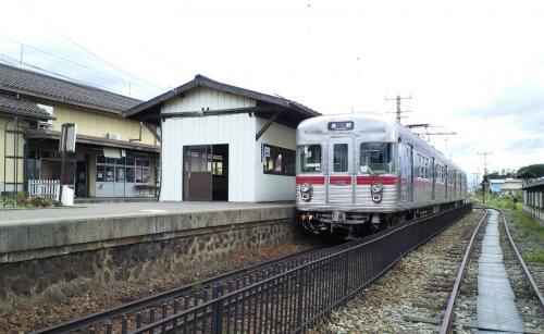 小布施駅の3500系(26.6.5)