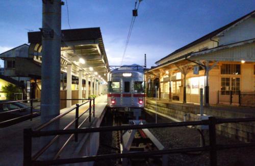 湯田中駅の普通列車(26.6.29)