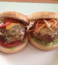 長男のハンバーガー2つ