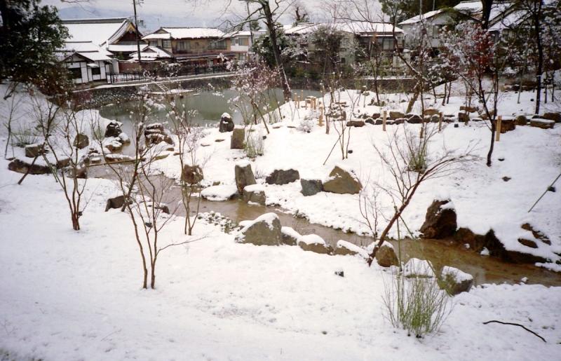 雪の稲荷大社