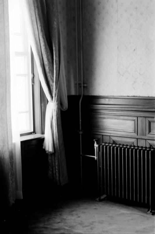 窓辺 旧府庁1