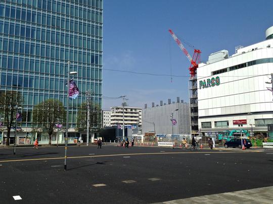 調布駅広場②