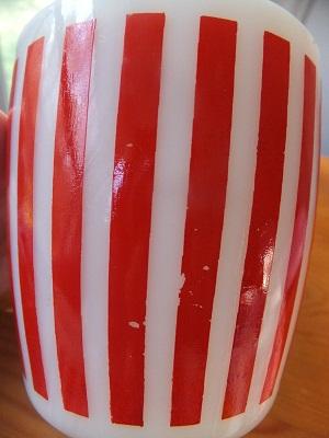 ヘーゼルアトラス キャンディーストライプマグ赤2