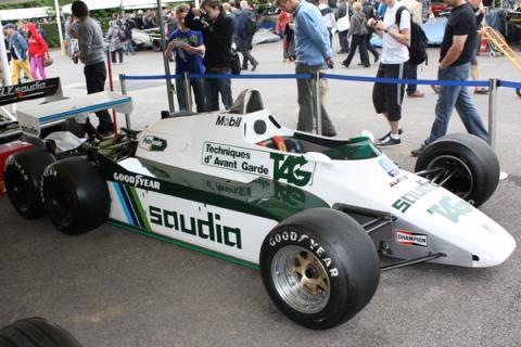 Williams-FW08B-1982_convert_20140309055102.jpg