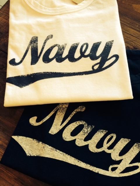 navyTシャツ