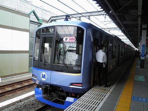 横浜高速鉄道Y500系・Y511F「ベイスターズ応援電車」(2013年4月15日・練馬駅)1